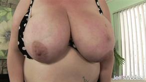 Darmowe porno duże cycki mamuśki
