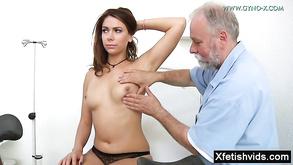 Dojenie lesbijek porno