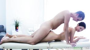 Kogut za duży dla cipki porno