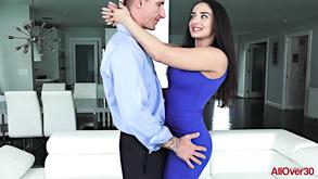 Tranny i dziewczyna orgia