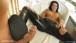 Duże czarne cipki