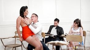gorące lesbijki z dużymi piersiami uprawiające seks
